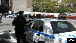 Algunas personas creen que el juicio supone una inversión en seguridad y un riesgo para Nueva York.