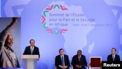 French President Francois Hollande delivers opening speech during Elysee Summit for Peace and Security in Africa, Elysee Palace, Paris, Dec. 6, 2013.