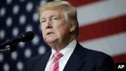 美国共和党总候选人唐纳德·川普在竞选大会上(2016年10月1日)