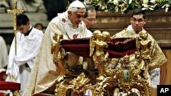 教宗的聖誕子夜彌撒講道鼓勵中國信徒要堅守信仰