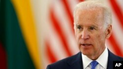 Joe Biden se reunió en Vilna con los presidentes de Lituania y Letonia.