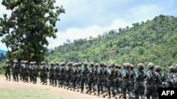 KNPP တပ္ဖြဲ ့၀င္တခ်ိဳ ့ (ဓာတ္ပံု - Kantarawaddy Times / AFP)