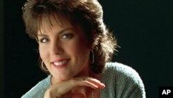 La cantante Holly Dunn el martes, 15 de noviembre de 2016, a los 59 años.