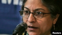 FILE - Human Rights Commission of Pakistan chairwoman, Asma Jahangir, speaks during a news conference in Islamabad, Jan. 25, 2007.