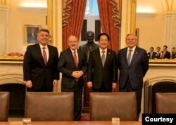美国参议院外交事务委员会领导层2020年2月4日在国会山与台湾候任副总统赖清德(左3)会面,左起亚太小组主席加德纳、外委会主席里施、资深民主党议员梅嫩德斯(参院外委会照片)