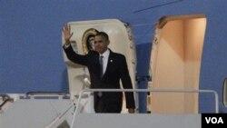 Presiden AS Barack Obama melanjutkan lawatan 4 hari di India dan menuju New Delhi setelah mengunjungi Mumbai.
