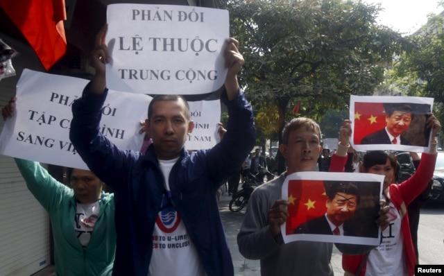 Biểu tình chống Trung Quốc tại Hà Nội, tháng 11/2015.