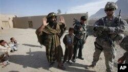 تظهارات کاندیدان و مسدویت شاهراه کابل - مزار