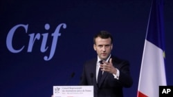 Fransa Cumhurbaşkanı Emmanuel Macron AB üyesi ülkelerdeki gazetelerde yayınlanan 4 sayfalık bir ilanla AB'de rönesans çağrısı yaptı