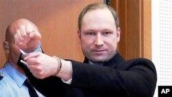 Anders Behring Breivik nhất mực nói rằng không bị điên