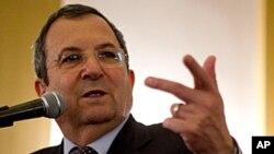 以色列国防部长巴拉克对媒体发表谈话