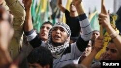 فلسطینی فائربندی کے معاہدے پر خوشی کا اظہار کررہے ہیں(فائل)
