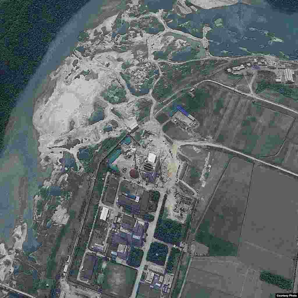 북한 영변 핵 시설의 지난 6월 24일 인공위성 사진. 지오아이(GeoEye) 제공.