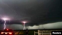 風暴襲擊奧克拉荷馬城地區