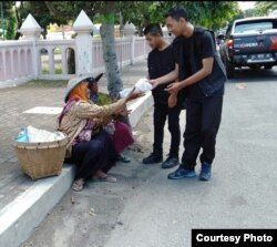 "Program ""Jumat Berkah"" Andika FM Kediri, sudah menyebar ke delapan kota/kabupaten. (Foto courtesy: Andika FM)"