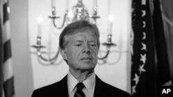 """جیمی کارتر پس از حمله شوروی سابق به افغانستان پای یک فرمان محرمانه امضا کرد که در آن آمده است """"هدف نهایی ما، خروج سربازان شوروی از افغانستان است."""""""