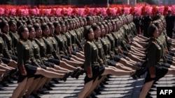 Tư liệu: Binh sĩ của Quân đội Nhân dân Triều Tiên (KPA) diễn hành tại Quảng trường Kim Il Sung ở Bình Nhưỡng vào ngày Quốc Khánh thứ 70 của Triều Tiên ngày 9/9/2018. AFP PHOTO / Ed JONES