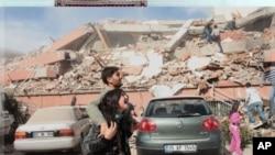 土耳其地震后的幸存者