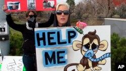 Activistas protestan por el trato inhumano de los monos en Nevada. Un caso similar ha ocurrido en el estado de Washington.