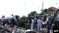 36 të vdekur nga një aksident hekurudhor në Indonezi