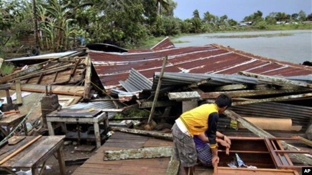 지난 4일 필리핀 남동부 부투안에서 태풍 '보파'의 영향으로 파괴된 주택. (자료사진)