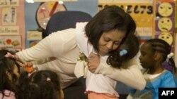 Первая леди США Мишель Обама с детьми.