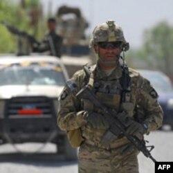 """""""Afg'on xalqi manfaati uchun shu xalqning o'zi kurashishi kerak, biz kimga kerakmiz?"""" - deydi mahalliy arbob. Amerika va NATO mamlakatni tark etish taraddudida."""