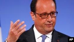 Tổng thống Pháp Francois Hollande nói 'những sự can thiệp liên tiếp, mâu thuẫn nhau' ở Bắc Syria có nguy cơ đổ thêm dầu vào lửa làm leo thang xung đột.