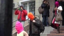 Activists Challenge Russian Authorities at Sochi Olympics