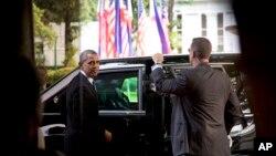 Američki predsednik po odlasku iz palate Malakanang u Manili na Filipinima, 29. april 2014.