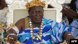 Amon Tanoé, à la tête de la Chambre nationale des rois et chefs traditionnels de Côte d'ivoire, à Grand-Bassam, le 20 novembre 2016.