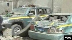 Bom yang diikatkan pada mobil meledak di pinggi jalan Tirkit.