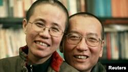 刘晓波的家人2010年10月发布的照片显示刘晓波和妻子刘霞