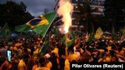 Apoiantes de Jair Bolsonaro celebram a vitória na segunda volta das eleições