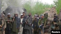 راپور وايي چې پاکستان به افغانستان ته د اورپکو استول روان ساتي