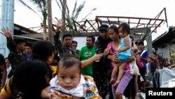 Topan Haiyan Hantam Filipina Tengah