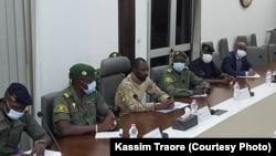 La délégation de la CEDEAO continue sa mission au Mali, elle a rencontré ce matin les membres de la cour constitutionnelle avant de reprendre les échanges avec les membres du comité national pour le salut du peuple CNSP. Kassim Traoré pour plus de détails.