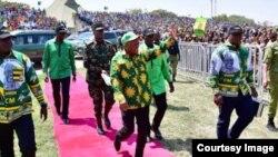 Mgombea Urais wa Chama Cha Mapinduzi (CCM) Rais wa Jamhuri ya Muungano wa Tanzania Mheshimiwa Dkt. John Pombe Magufuli akiwasili katika uwanja wa Kambarage mkoani Shinyanga kwa ajili ya Mkutano wa Kampeni za Urais leo tarehe 03 Septemba 2020.