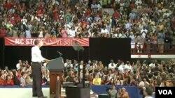 El presidente Barack Obama, habló ante una entusiaste audiencia jóven en la Universidad Estatal de Carolina del Norte, en Raleigh .