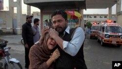 Муж этой женщины – один из застреленных в Кветте. Кветта, Пакистан, 15 апреля 2018 года.