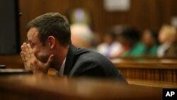 Oscar Pistorius trong phiên xử tại tòa án ở Pretoria, Nam Phi, ngày 10/3/2014.