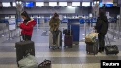 Aeropuerto de LaGuardia en Nueva York cerrado por la llegada del huracán.