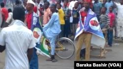 Mata, Maza, Matasa da Dattijai da ma Yara sun fito domin nuna farincikinsu a kan tituna saboda nasarar Janar Buhari