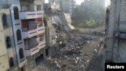 16일 시리아 홈스에서 내전으로 파괴된 거리.