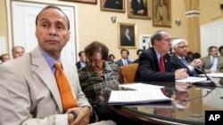 El congresista Luis Gutiérrez ha pedido al presidente Obama emitir las órdenes ejecutivas sobre inmigración ahora, y no esperar a que pasen las elecciones.