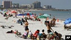 Virus Outbreak Florida Beaches Reopen