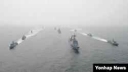 지난 6월 서해 해상에서 실시한 한국 해군의 해상기동훈련. (자료사진)