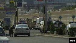Cảnh sát Ả Rập Xê-út được tăng cường sau vụ nổ ở Jeddah tháng 12/2014. Bộ Nội vụ Ả Rập Xê-út cho hay hôm 4/7/2016 một kẻ tấn công đã nổ bom tự sát gần lãnh sự quán Mỹ ở thành phố này.