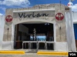 Restaurante Vivian, en el puerto San Juan del Sur, a 131 kms. de Managua. [Foto: Houston Castillo Vado, VOA]