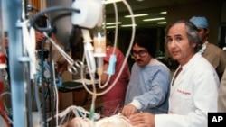 阿尔伯特.斯塔尔从事了心脏医学领域的开创性工作